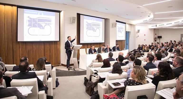 El sector del plástico y las administraciones públicas debaten las medidas para impulsar la economía circular
