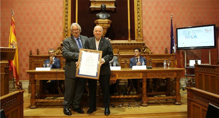 Ángel Irabien recibió el Premio Anque del año en el transcurso del Día de la Química en Palma
