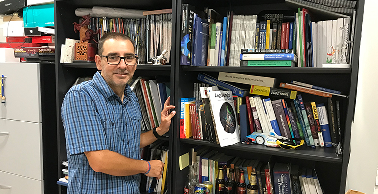 Entrevista Emilio Palomares, director del Institut Català d'Investigació Química (ICIQ)