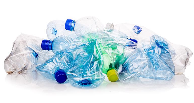 La industria del plástico alza la voz ante el impuesto para los envases de un solo uso