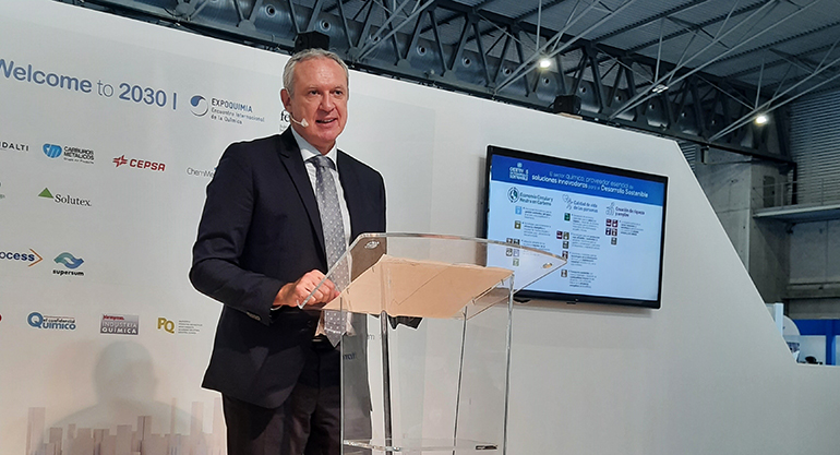 La industria química refuerza su apuesta por la innovación en el documento Welcome to 2030 de Feique