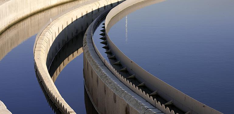 Recuperación y aprovechamiento de microplásticos de estaciones depuradoras de aguas residuales urbanas