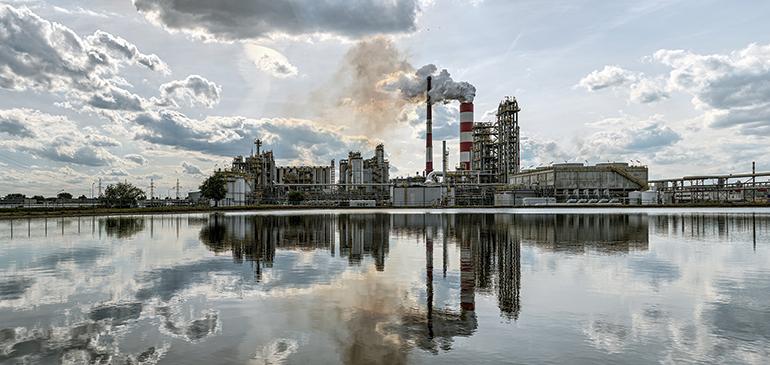 Reducción de emisiones atmosféricas de óxidos de nitrógeno (NOx) en la industria y el transporte