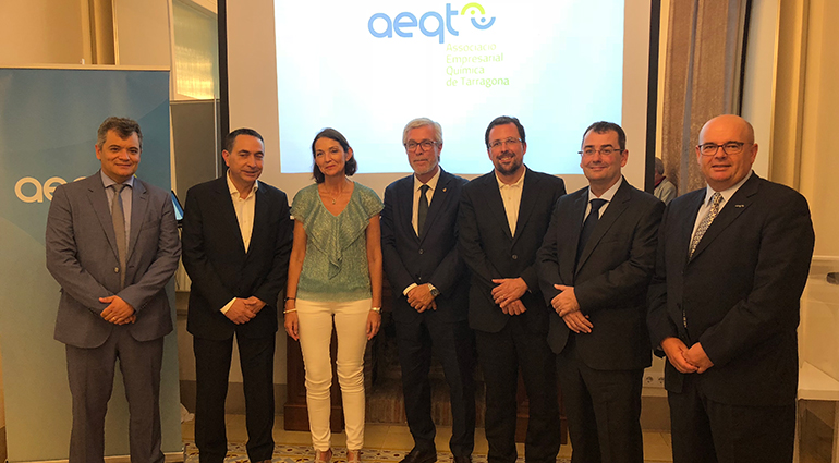 Reyes Maroto visita el sector químico de Tarragona y se compromete acelerar la aplicación de las redes cerradas