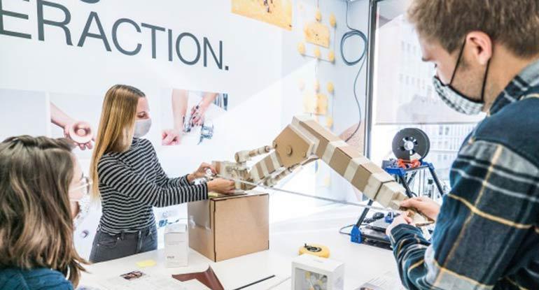 Programa de colaboración entre Pilz y Elisava para impulsar el diseño seguro de la robótica de servicios