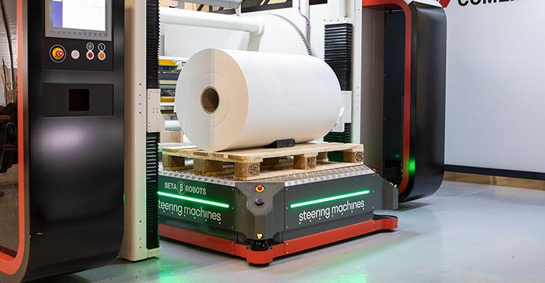 Acuerdo Sick y Steering Machines para optimizar la carga y desplazamiento de robots móviles autónomos