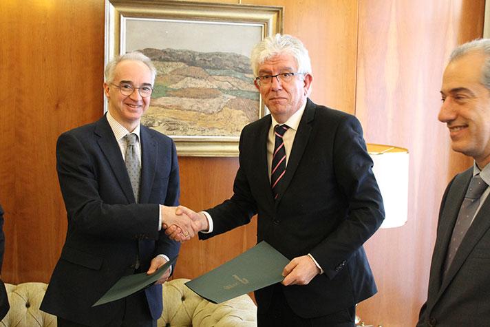 Schneider Electric firma un convenio de colaboración con la Universidad de León