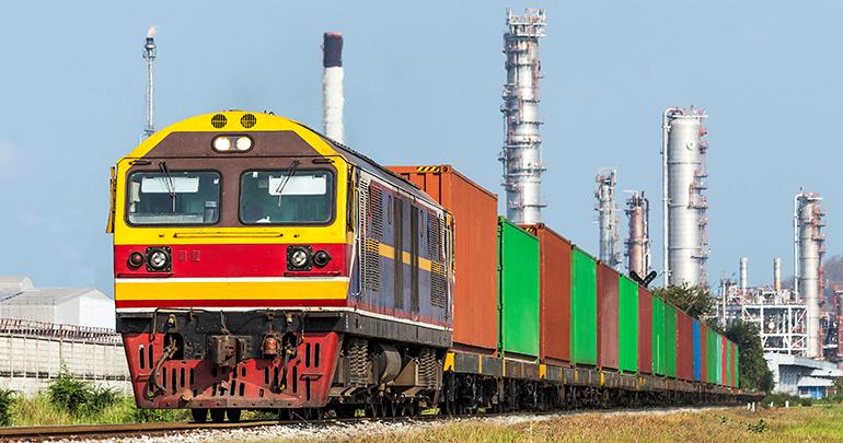 Firmado un acuerdo de colaboración para el impulso del transporte de productos químicos por ferrocarril