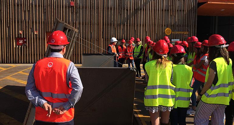 Veolia abre las puertas de su red de biomasa en Móstoles a estudiantes madrileños