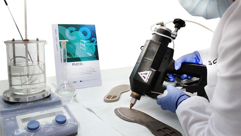 Las emisiones de CO2 industrial podrán ser transformadas en pinturas, barnices y adhesivos para calzado y mobiliario