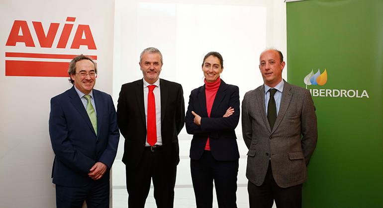 Iberdrola y Avia instalarán puntos de recarga rápida para movilidad eléctrica en estaciones de servicio