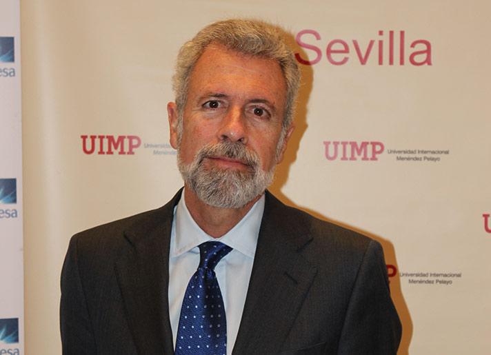 Vicente Cortés, presidente de Inerco, en la jornada celebrada por la UIMP en Sevilla
